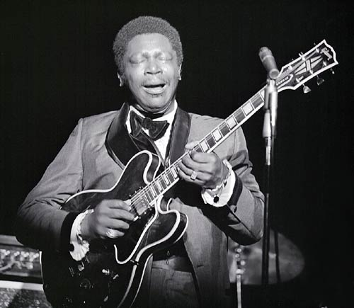 Photo of BB King on stage at Caesars Palace in 1969