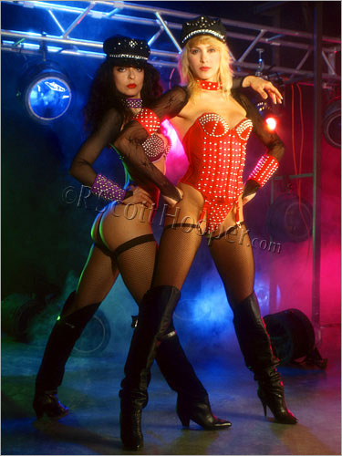 Photo of two showgirls from the Lance Burton magic show in Las Vegas