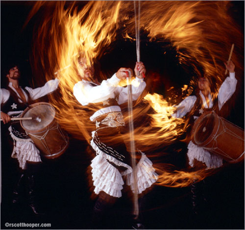 Image of the Argentinian Gouchos playing with fire