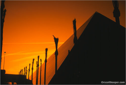 Photo of Luxor Hotel in Las Vegas at sunrise
