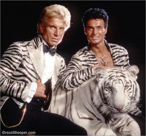 Photo of Siegfried & Roy with rare white tiger